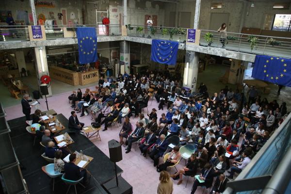 pax europe le consulat débat public